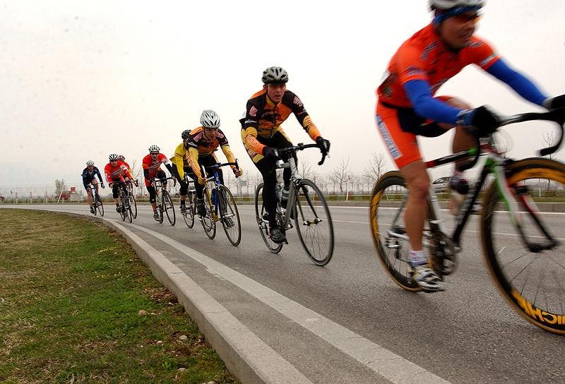 Под Броварами фура сбила группу велосипедистов, один умер, трое вреанимации