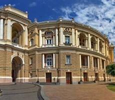 В Одессе снова штормовое предупреждение