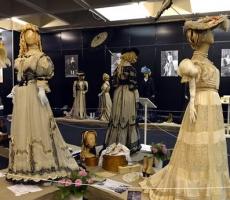 Выставка старинной одежды в Киеве