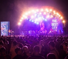 50 тыс. человек одновременно признались в любви к Украине