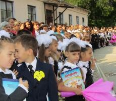 """Дмитрий Соин: """"1 сентября — это трепетный и важный день в жизни каждой семьи""""."""