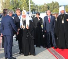 Патриарха Кирилла приветствовали тысячи православных Приднестровья