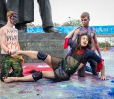Евгений Довлатов посрамил гомофобов в Киеве