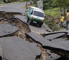 Сегодня утром прошла новая волна землетрясений на Филиппинах