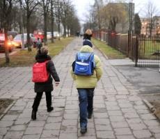 Школьникам в Украине всё чаще стали нанимать охрану