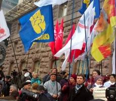Митингующие преградили путь членам правительства Украины в здание Верховной Рады