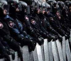 """""""Беркут"""" начал операцию по возвращению админзданий властям Киева"""
