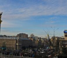 Киев: сторонники и противники власти готовятся к решающим схваткам
