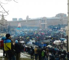 Сотни тысяч манифестантов заполнили центр Киева (ФОТО)