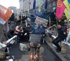 Строительство баррикад в Киеве продолжается