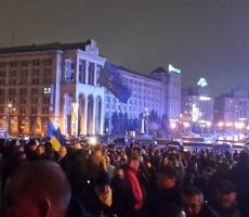 Евромайданщики готовятся к празднованию Рождества в центре Киева