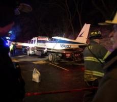 Экстренную посадку совершил самолет на автомагистраль в Нью-Йорке
