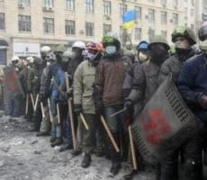 """Радикалы из """"Правого сектора"""" возобновят уличные бои в Киеве"""