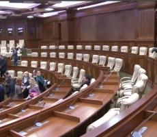 Граждане Молдовы посетили обновленное здание молдавского Парламента