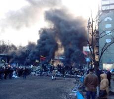 В Киеве идут масштабные столкновения оппозиционеров с правооханителями