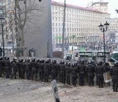 На улицах Киева снова стреляют