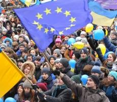 Новое правительство Украины утвердят на Майдане