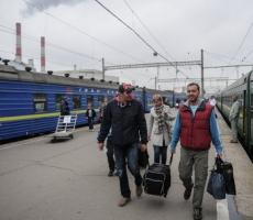 Отток населения из Украины вырос в несколько раз