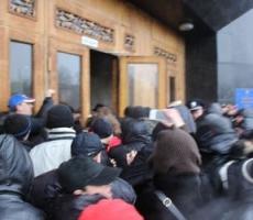 Пророссийские активисты  пытаются захватить ОГА в Одессе