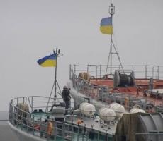 Захват боевых кораблей Украины продолжается