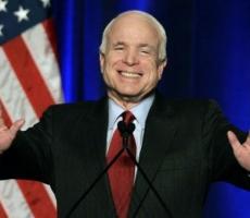 В Молдову прибыл сенатор США Джон Маккейн