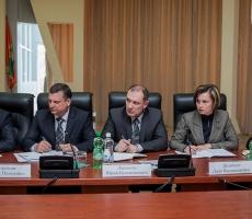 Приднестровских чиновников задействуют в уборке улиц