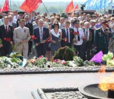 Коммунисты Херсона атаковали губернатора Одарченко. См. видео