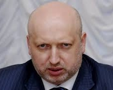 Публичный расстрел украинских силовиков вызвал реакцию Турчинова