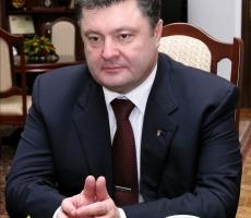 Петру Порошенко нужно несколько символических побед