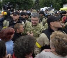 Президент Порошенко вчера посетил Славянск