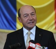 Бэсеску похвалил Молдову и Украину