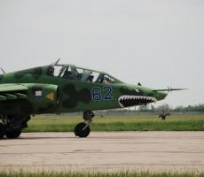 Военный самолет России обстрелял украинский Су-25