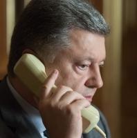 Петр Порошенко и Ангела Меркель обменялись мнениями относительно путей мирного урегулирования на Донбассе