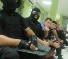"""В Одессе оптовый рынок """"7 километр"""" захватили автоматчики"""