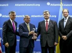 В Вашингтоне Президент Украины Петр Порошенко получил престижную награду «Global Citizen Award»