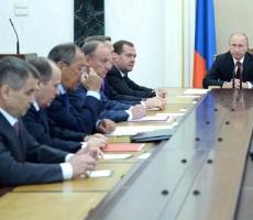 Владимир Путин обсудил с членами Совета безопасности России ситуацию на Украине