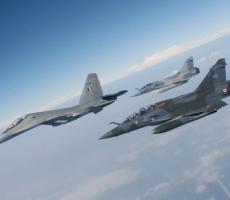 """ВВС Франции нанесли авиаудар по военным базам """"Исламского государства"""" в Ираке"""