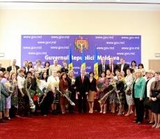 Лучшие педагоги Молдовы получили правительственные дипломы