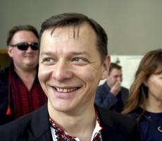 Радикал Ляшко эвакуировался из под града яиц