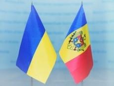 Президент Молдовы официально пригласил Петра Порошенко в РМ