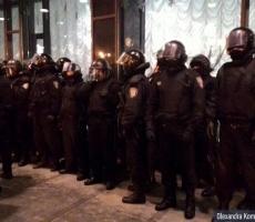 Украинская общественность продолжает давление на певицу Ани Лорак