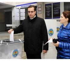Лидер ДПМ Мариан Лупу проголосовал за европейский курс Молдовы