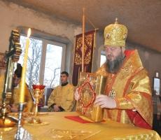 Владыка Савва совершил Божественную литургию на месте строящегося Крестовоздвиженского храма