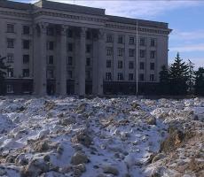Куликово поле в Одессе превращено в свалку снега