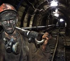 500 шахтеров заблокированы под землей в Донецке