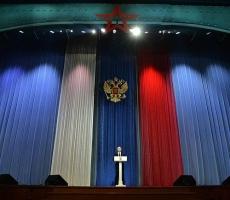 В преддверии Дня защитника Отечества Владимир Путин поздравил россиян