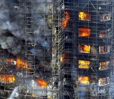 Мощный пожар поглотил бизнес-центр в Лос-Анджелесе