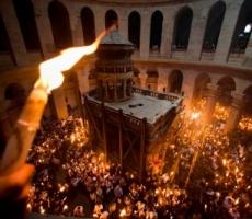 В Кишиневе тысячи верующих пришли за Благодатным огнем