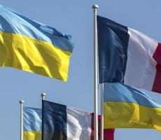 В Украину будут поставлять системы радиосвязи и вертолеты из Франции