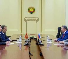 Президент ПМР провел встречу с делегацией Совета Федерации Федерального собрании РФ